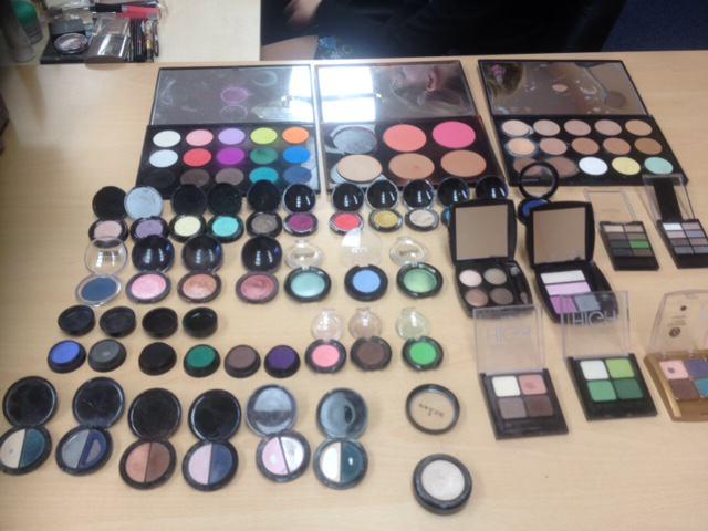 Warsztaty makijażu dla studentek Uniwersytetu Ekonomicznego.